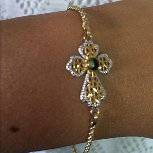 "Jewelry - 10k Yellow Gold DIAMOND cut Cross Bracelet  7.5"""
